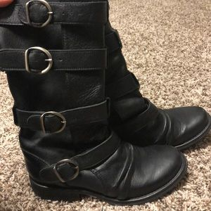 Aldo Leather boots w/ buckle Straps (Size 36)